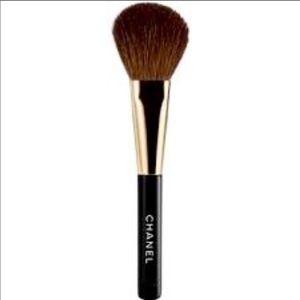 CHANEL Blush brush # 7